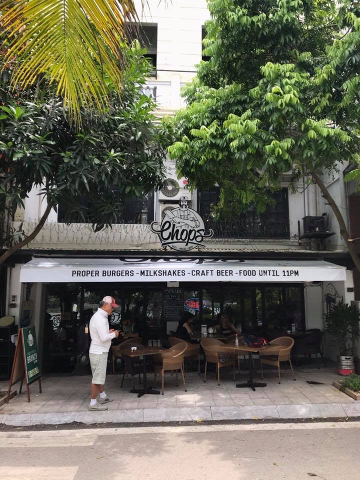 Lắp đặt mái vòm, mái hiên di động nhà hàng & Coffee.